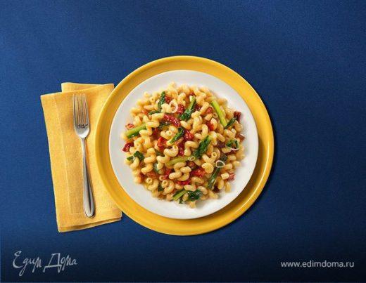 Челлентани с вялеными томатами и луком-пореем