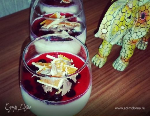 Ванильная панна-котта с фруктовым желе