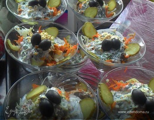Салат из тунца консервированного с перепелинами яйцами