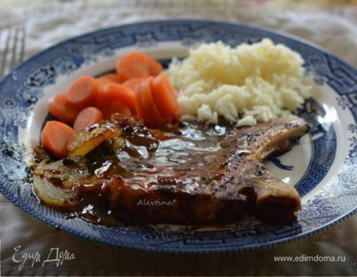Вкусная свинина на косточке