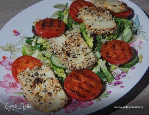 Греческий салат с жареным сулугуни