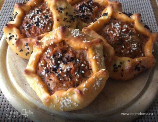 Открытые пирожки с капустой